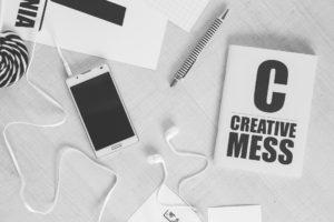 creative-smartphone-notebook-typography